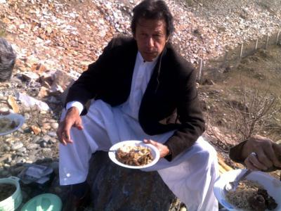 Imran having lunch